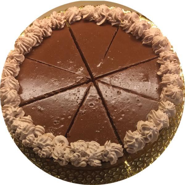 Tarta de trufa y chocolate de Pastelería Excelsior Linares. Elaboradas artesanalmente con Bizcocho Imperial Casero.
