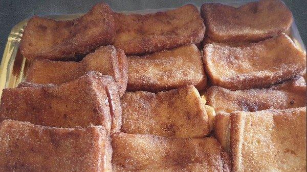 Las tradicionales y famosas torrijas de Pastelería Excelsior Linares
