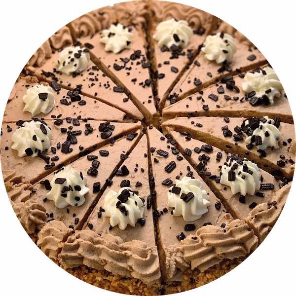 Tarta de trufa y chocolate belga de Pastelería Excelsior Linares. Elaboradas artesanalmente con Bizcocho Imperial Casero.